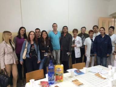 Sastanak na kome su učestvovali zaposleni u bolnici u Kovinu, saradnici i članovi udruženja ''Zrak nade'', predstavnici Caritasa Srbije i predstavnici udružennja ''Herc'' i ''Duša'' iz Beograda